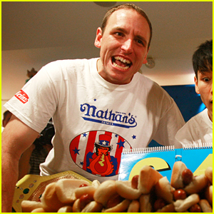 Joey Chestnut's Fans Are Concerned After This Shocking Report About Hot Dogs