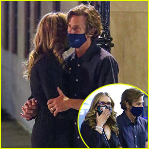 Julia Roberts Gets Romantic With Husband Danny Moder During Dinner Date in NYC
