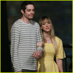 Kaley Cuoco & Pete Davidson Link Arms for Late Night 'Meet Cute' Scene