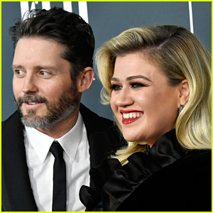 Kelly Clarkson's Prenup Honored by Judge in Divorce Case, Celebrates on Set of 'The Voice' With Judges (Report)
