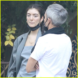 See More Photos from Lorde's Date Night with Boyfriend Justin Warren!