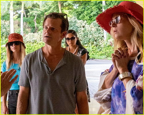 Steve Zahn, Connie Britton, Sydney Sweeney, and Brittany O'Grady in The White Lotus finale
