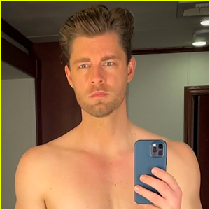 The Republic of Sarah's Luke Mitchell Posts Hot Shirtless Selfie to 'Warn' Fans About New Episode