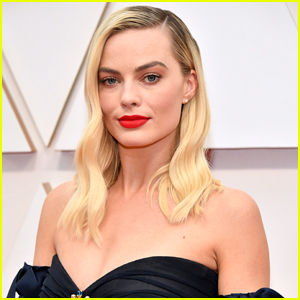 Margot Robbie Uses These Facemasks to Get Red Carpet Ready!