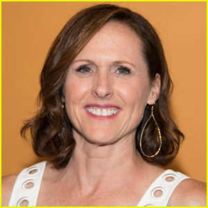 Molly Shannon Recalls the Childhood Tragedy That Shaped Her Life & Career