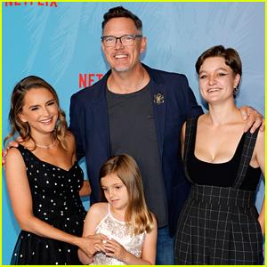 Rachael Leigh Cook & Matthew Lillard Bring Their Kids to 'He's All That' Premiere!