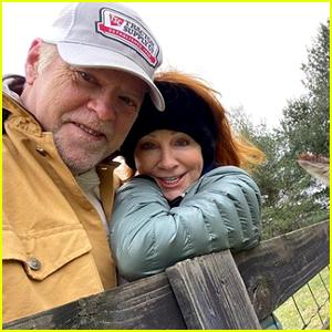 Reba McEntire & Boyfriend Rex Linn Caught COVID-19 After Being Vaccinated