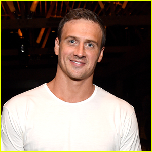 Swimmer Ryan Lochte Undergoes Surgery For Torn Meniscus