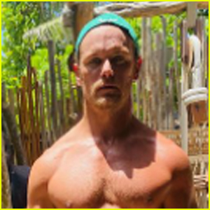 Sam Heughan Shows Off His Impressive Strength in a Fitness Selfie