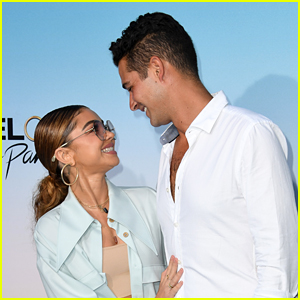 Sarah Hyland Supports Fiance Wells Adams at 'Bachelor in Paradise' Premiere (Photos!)