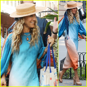 Sarah Jessica Parker Makes a Fashionable Arrival to the Set of 'And Just Like That'