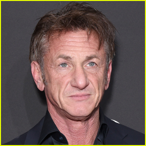Sean Penn Says He Doesn't Want Unvaccinated People Seeing His Movie in Theaters