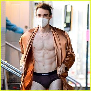Thomas Doherty Tells Story Behind Photos of Him in Underwear on 'Gossip Girl' Set
