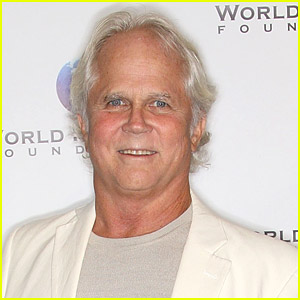 'Leave It To Beaver's Tony Dow Had To Wait 24 Hours To Get A Hospital Room While Battling Pneumonia