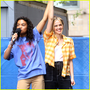 Zoey Deutch Continues Filming 'Not Okay' With Mia Isaac in NYC