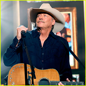 Country Singer Alan Jackson Reveals He's Been Living With a Neurological Disease