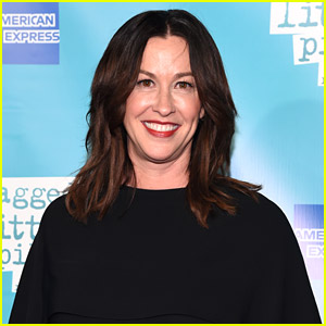 Alanis Morissette Is Not Happy With 'Jagged' Documentary; Calls It 'Salacious'
