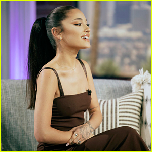 Ariana Grande Reveals the Rule She's Already Broken in Her 'The Voice' Contract