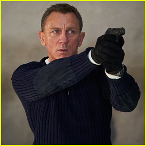 Daniel Craig Gets Choked Up as James Bond for the Last Time While Filming Final Scene - Watch!