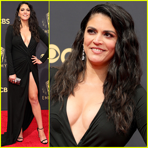 SNL's Cecily Strong Is Giving Off Angelina Jolie Vibes at Emmy Awards 2021!