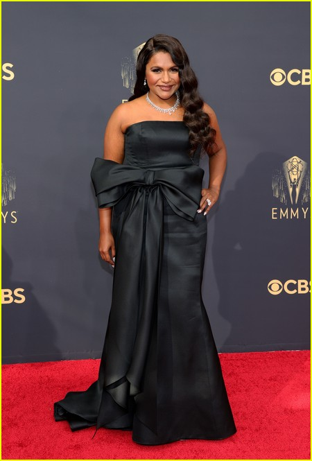 Mindy Kaling at the Emmy Awards 2021