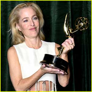 Gillian Anderson's Answer to This Question at Emmys 2021 Goes Viral