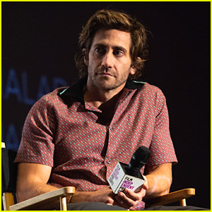 Jake Gyllenhaal Reveals He Was Being Very Sarcastic About The Whole Celebs Bathing Situation