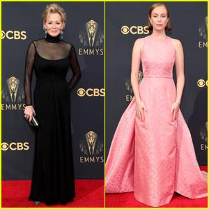 Jean Smart & 'Hacks' Co-Star Hannah Einbinder Arrive in Style for Emmy Awards 2021