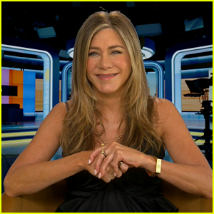 Jennifer Aniston Reacts to Rumor That She's Writing a Memoir