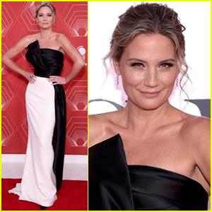 Jennifer Nettles Goes Pretty in Black & White for Tony Awards 2020