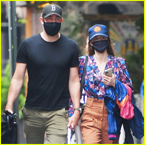 John Krasinski & Emily Blunt Try to Keep a Low Profile While Holding Hands in NYC