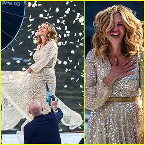 Julia Roberts Glitters In A White Dress While Filming New Lancôme Commercial
