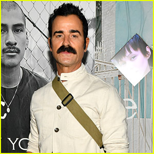 Justin Theroux Rocks A Cool Mustache For Rag & Bone's Deli Pop-Up Event