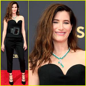 Emmy Nominee Kathryn Hahn Has Arrived for 2021 Event!