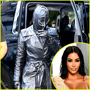 Kim Kardashian Goes Completely Incognito with Kourtney & Travis While Arriving in NYC