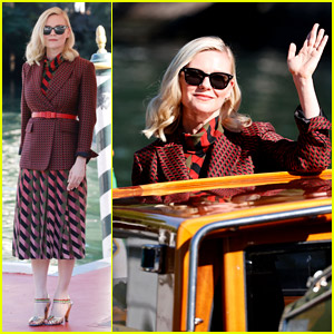 Kirsten Dunst Waves From a Water Taxi After Interviews During Venice Film Festival