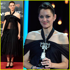 Marion Cotillard Wipes Away Tears While Being Honored at San Sebastian Film Festival