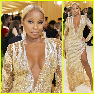 Mary J Blige Shimmers on the Carpet at Met Gala 2021