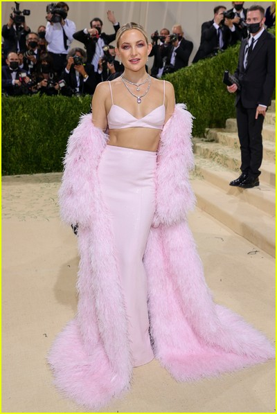 Kate Hudson on the Met Gala 2021 Red Carpet