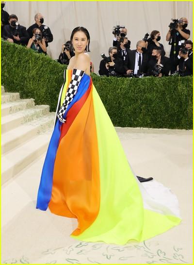 Eva Chen on the Met Gala 2021 Red Carpet