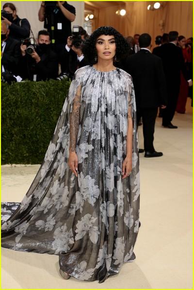 Sophia Roe on the Met Gala 2021 Red Carpet