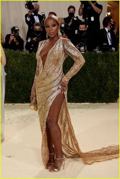 Mary J. Blige on the Met Gala 2021 Red Carpet