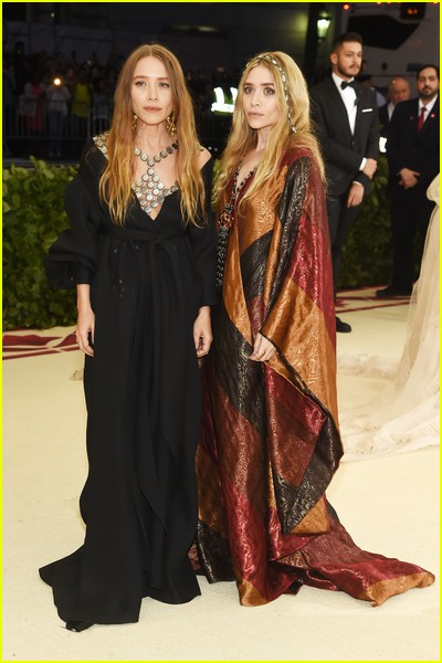 Mary-Kate and Ashley Olsen at a previous Met Gala