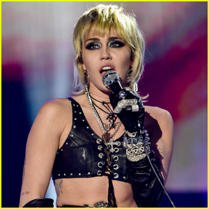 Miley Cyrus to Team Up with Lorne Michaels for New Year's Eve Special (Report)