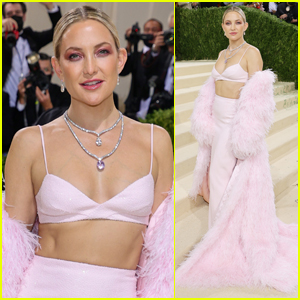 Kate Hudson Walks the Met Gala 2021 Red Carpet Hours After Announcing Her Engagement!