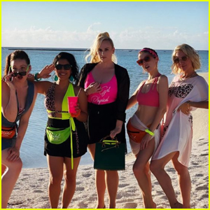 Rebel Wilson Has a 'Pitch Perfect' Bellas Reunion on the Beach!