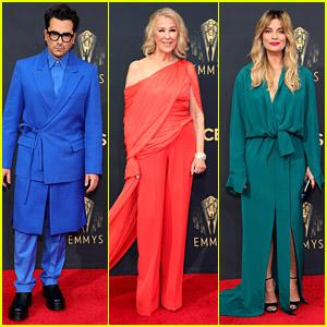 'Schitt's Creek's Dan Levy, Annie Murphy, Catherine O'Hara & Eugene Levy Reunite at Emmy Awards 2021