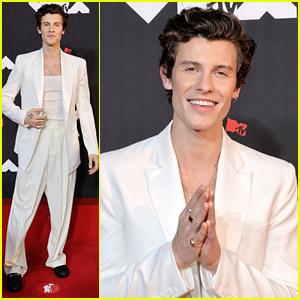 Shawn Mendes Looks Sharp In All White For MTV VMAs 2021