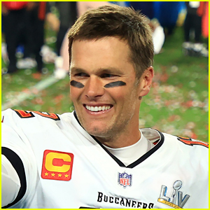 Find Out How Fans Found Out If Tom Brady Is Vaccinated Or Not