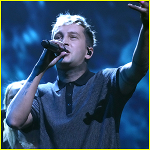 Twenty One Pilots' Tyler Joseph Announces His Wife is Pregnant During VMAs 2021 Performance